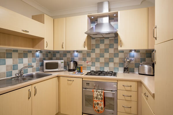 House of Fisher Stanshawe Court, Reading Serviced Apartment Kitchen after refurbishment