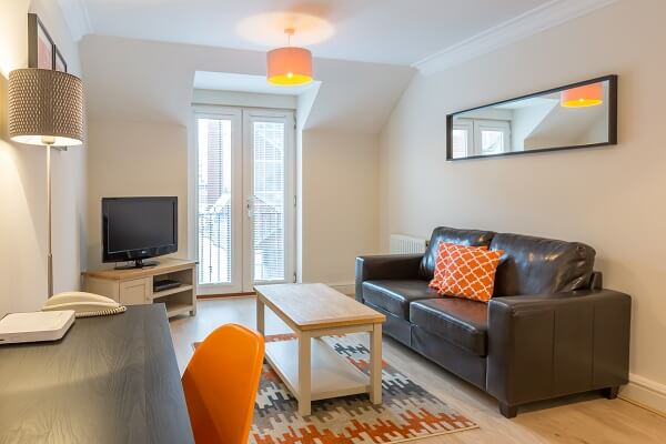 House of Fisher Stanshawe Court, Reading Serviced Apartment Living Room after refurbishment