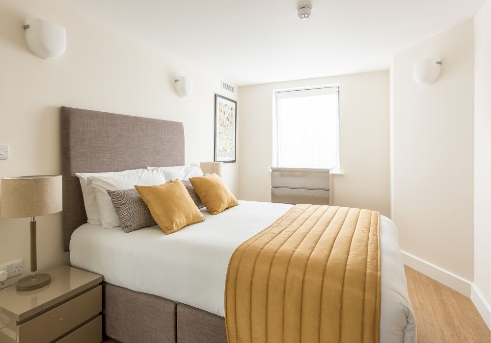 How much does renting an apartment cost in Reading, Berkshire?