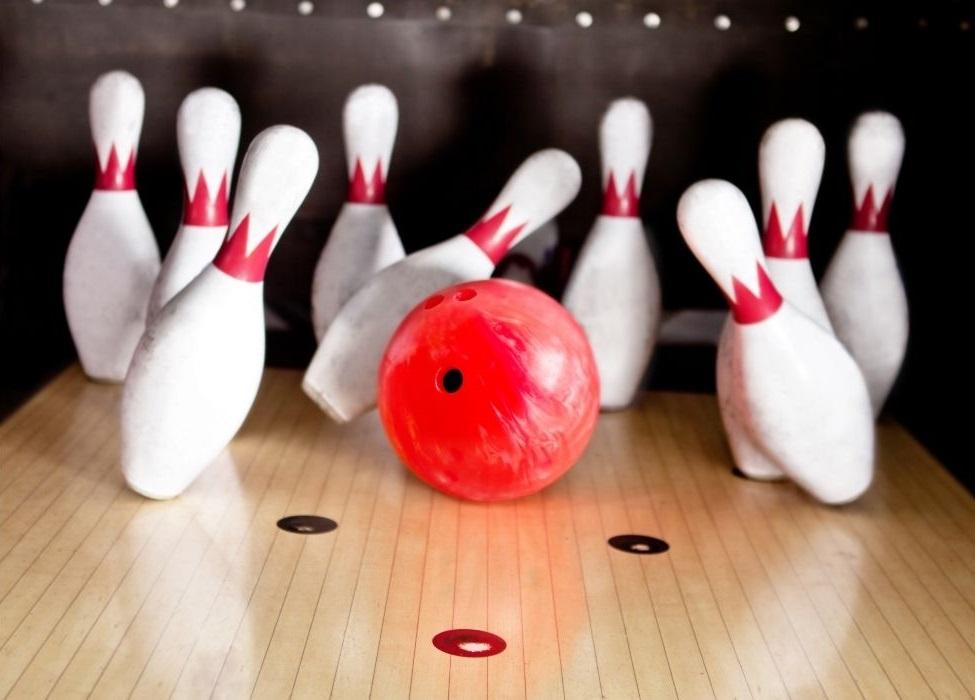 Bowl some strikes at Hollywood Bowl